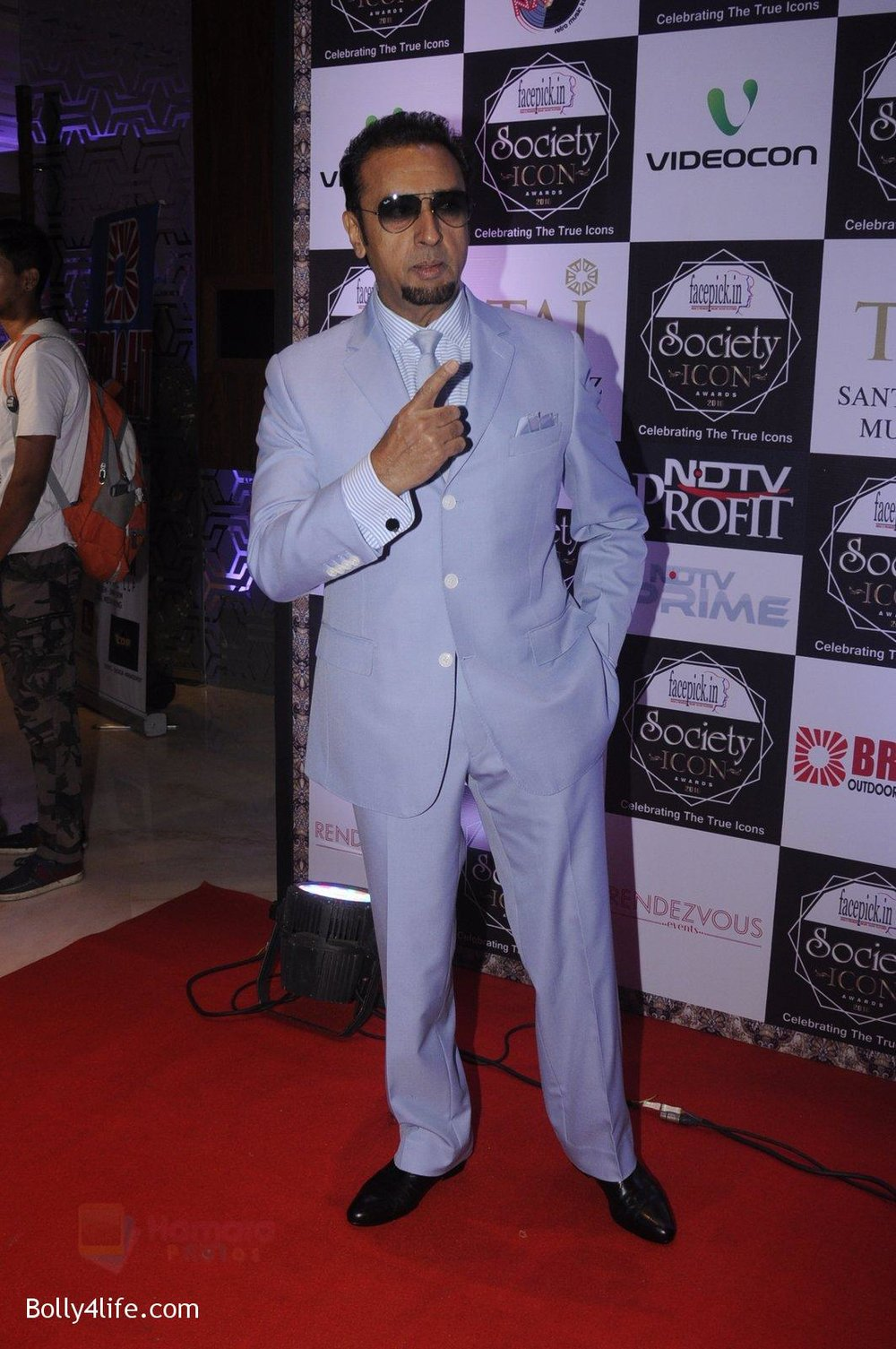 Gulshan-Grover-at-Society-Icon-Awards-on-2nd-Oct-2016-37.jpg