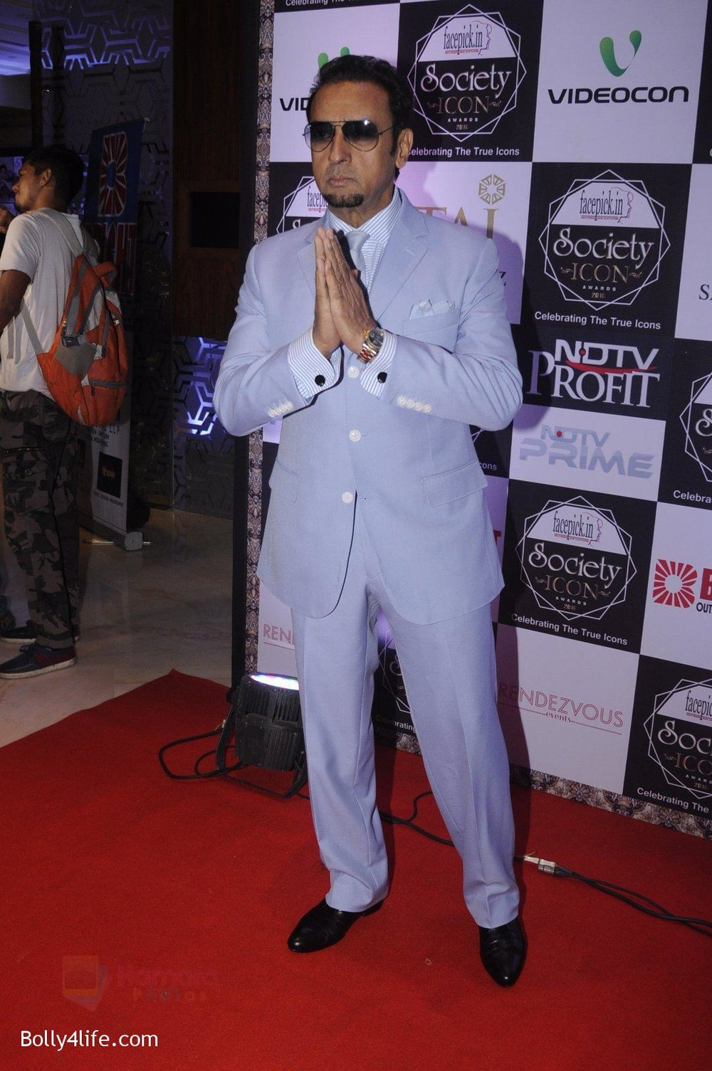 Gulshan-Grover-at-Society-Icon-Awards-on-2nd-Oct-2016-38.jpg