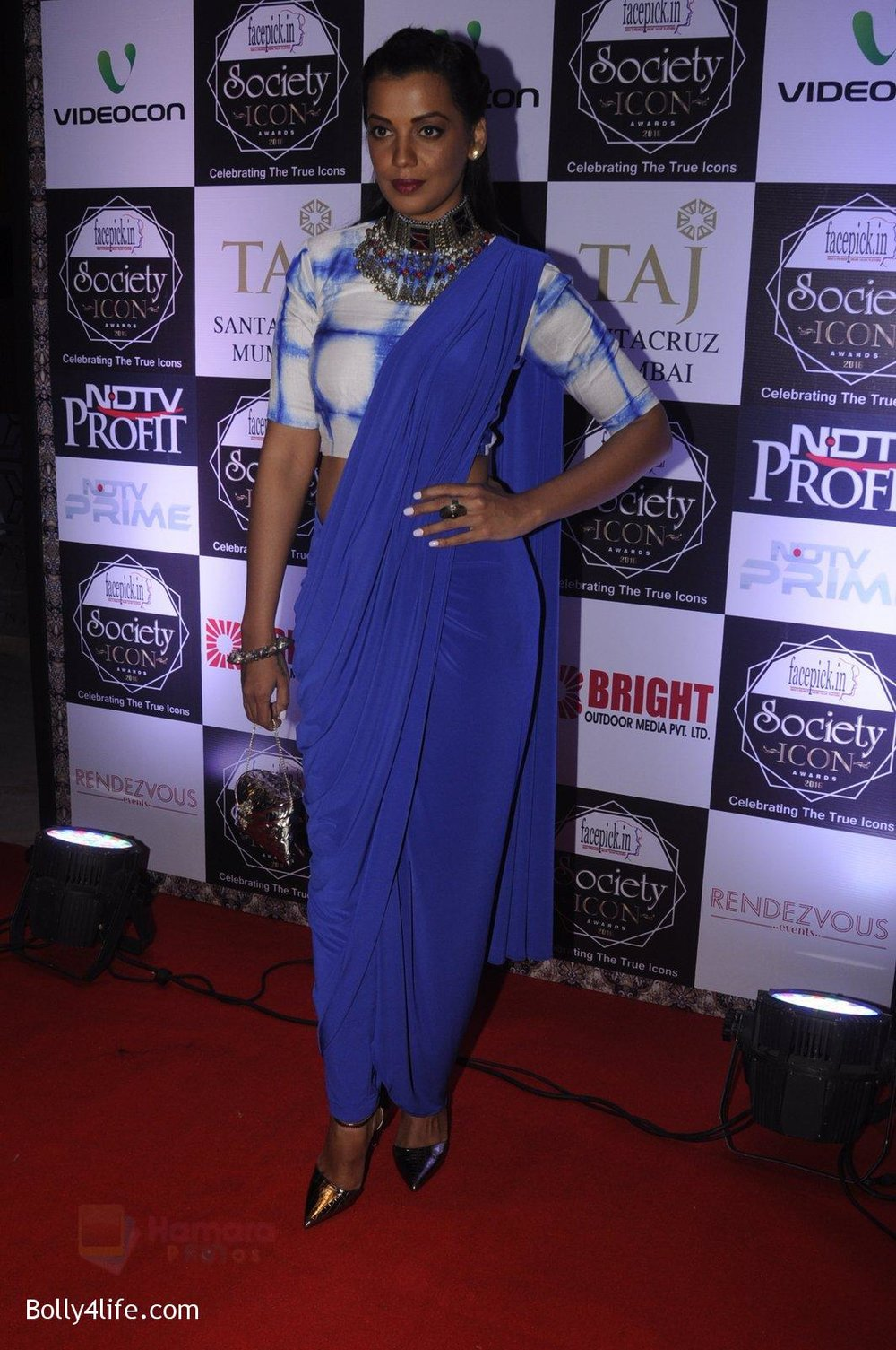 Mugdha-Godse-at-Society-Icon-Awards-on-2nd-Oct-2016-64.jpg