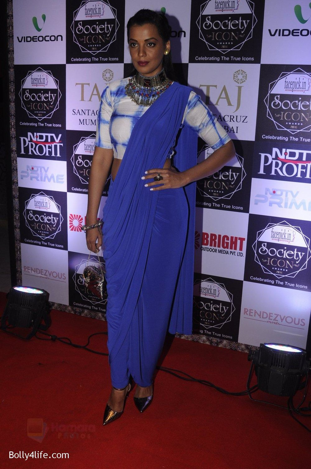 Mugdha-Godse-at-Society-Icon-Awards-on-2nd-Oct-2016-74.jpg