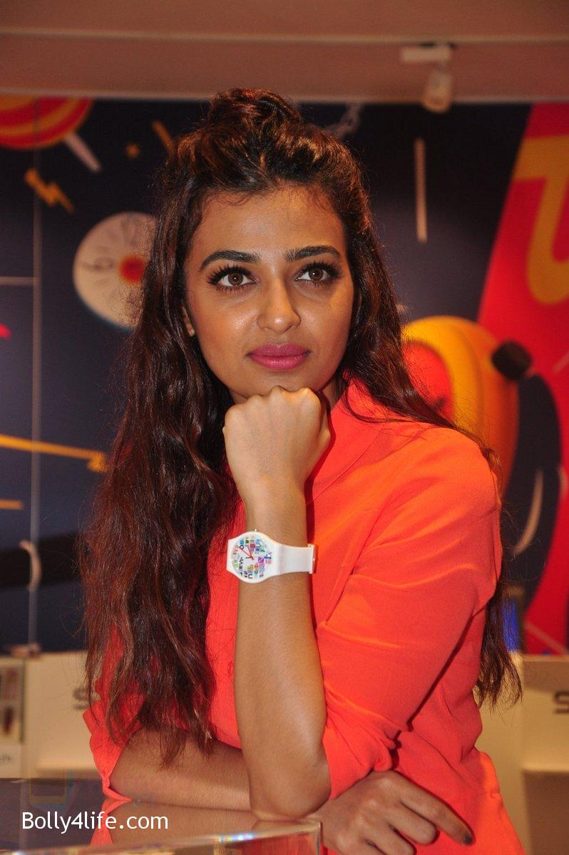 Radhika-Apte-at-Swatch-event-in-J-W-Marriott-on-4th-Oct-2016-1.jpg