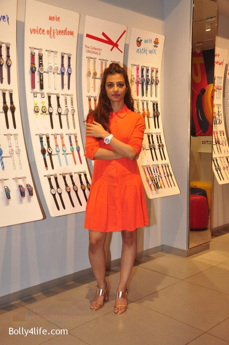 Radhika-Apte-at-Swatch-event-in-J-W-Marriott-on-4th-Oct-2016-18.jpg