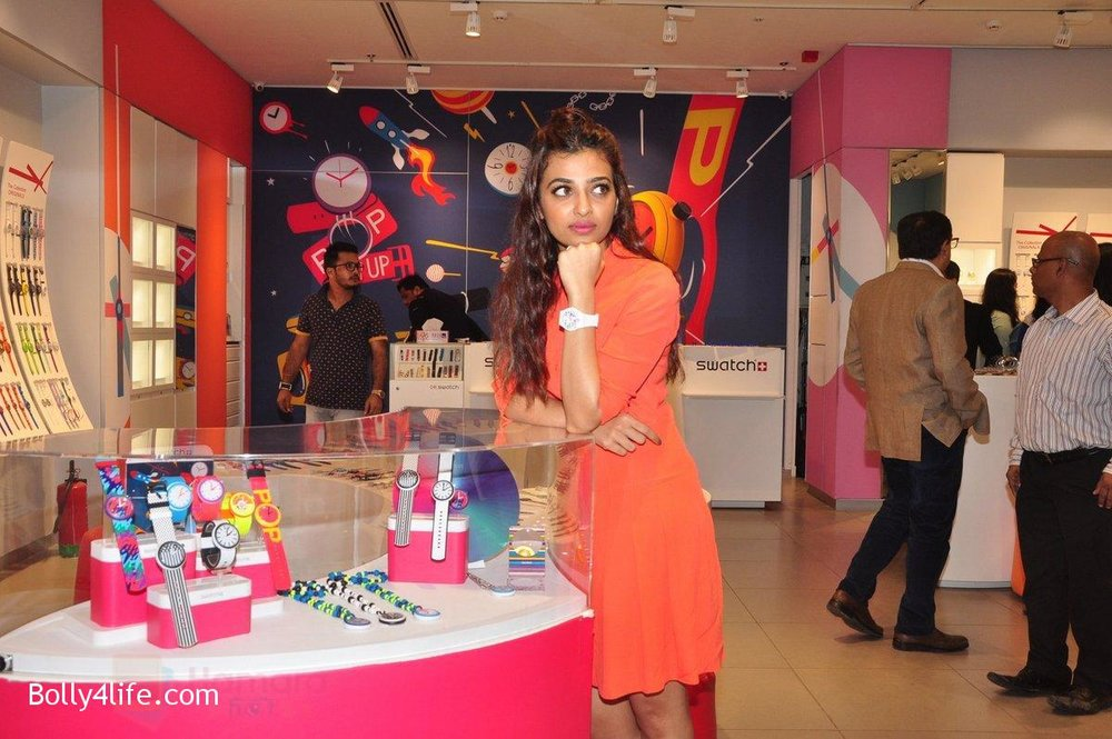 Radhika-Apte-at-Swatch-event-in-J-W-Marriott-on-4th-Oct-2016-20.jpg