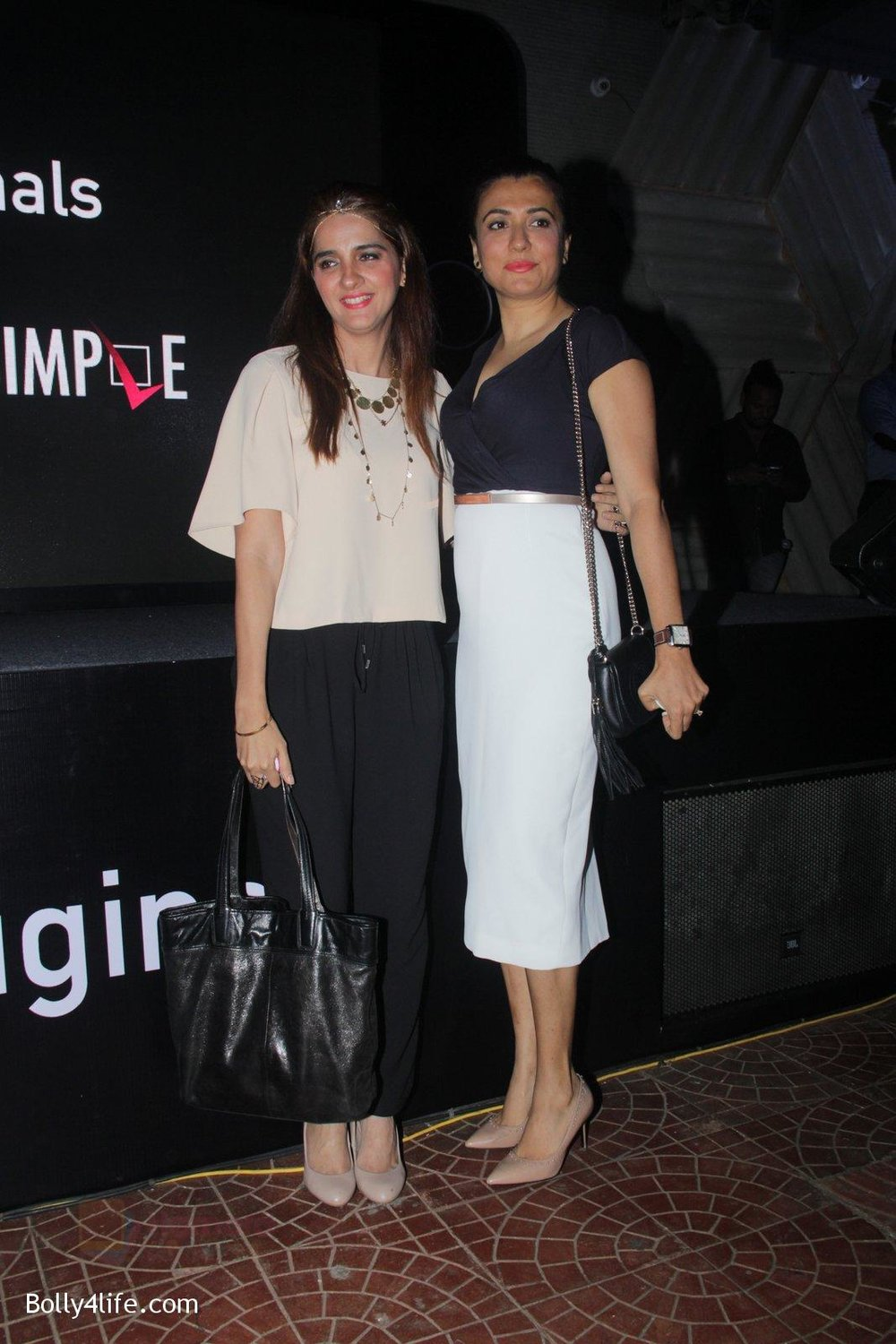 Shruti-Seth-Mini-Mathur-at-the-screening-of-It's-Not-That-Simple-on-3rd-Oct-2016-17.jpg