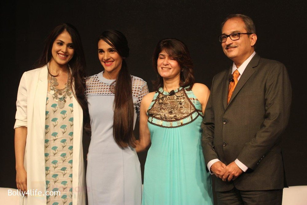 Genelia-D-Souza-and-Tara-Sharma-at-launch-of-Baby-Dove-in-India-on-4th-Oct-2016-96.jpg