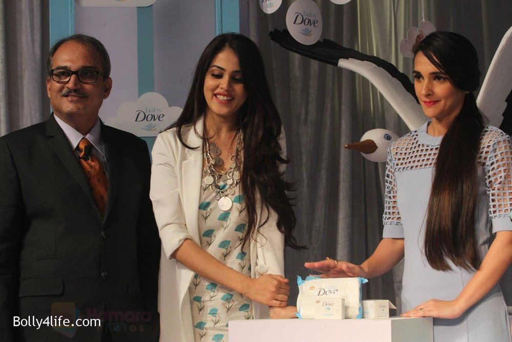 Genelia-D-Souza-and-Tara-Sharma-at-launch-of-Baby-Dove-in-India-on-4th-Oct-2016-99.jpg