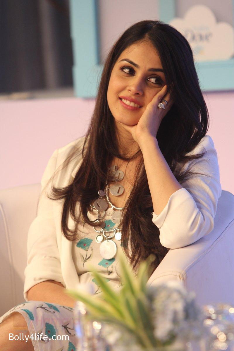 Genelia-D-Souza-at-launch-of-Baby-Dove-in-India-on-4th-Oct-2016-112.jpg
