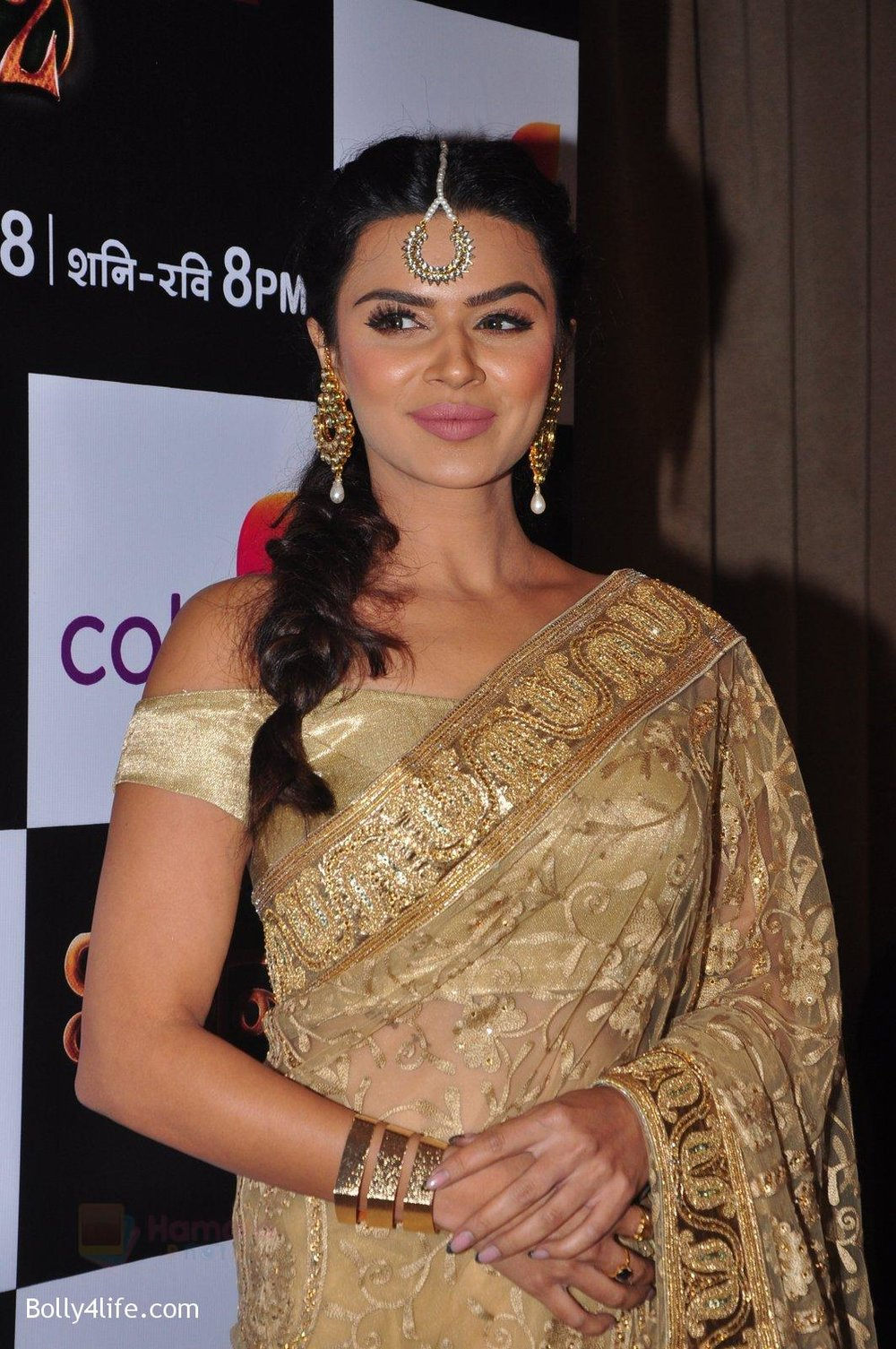 Aashka-Goradia-at-Naagin-2-launch-in-Mumbai-on-4th-Oct-2016-21.jpg
