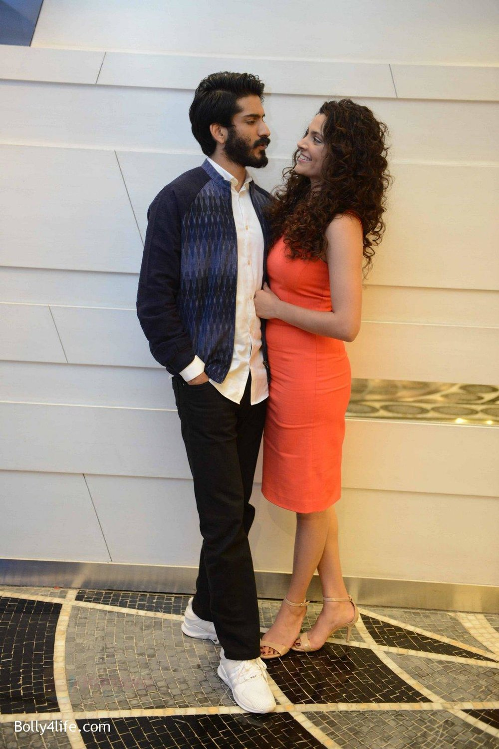 Harshvardhan-Kapoor-Saiyami-Kher-at-Mirzya-press-meet-in-Delhi-on-3rd-Oct-2016-76.jpg