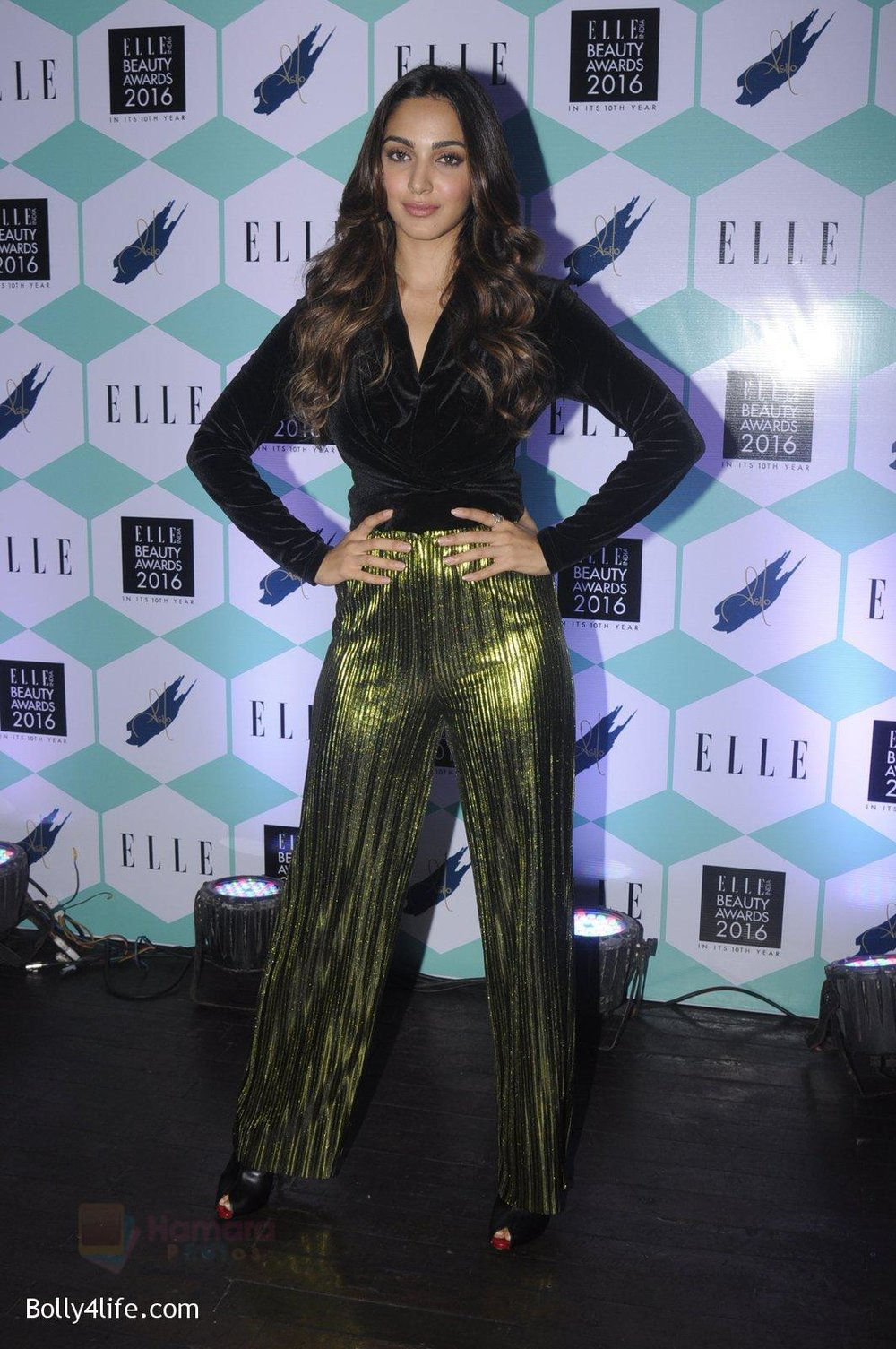 Kiara-Advani-at-Elle-Beauty-Awards-on-5th-Oct-2016-41.jpg
