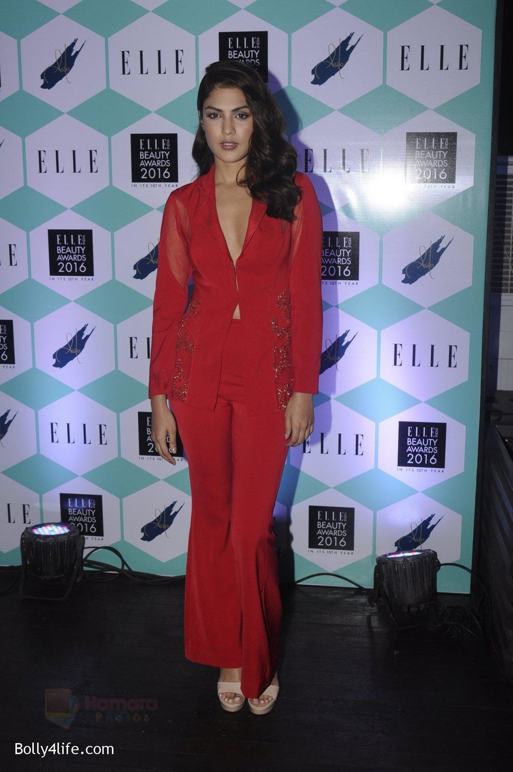 Rhea-Chakraborty-at-Elle-Beauty-Awards-on-5th-Oct-2016-44.jpg