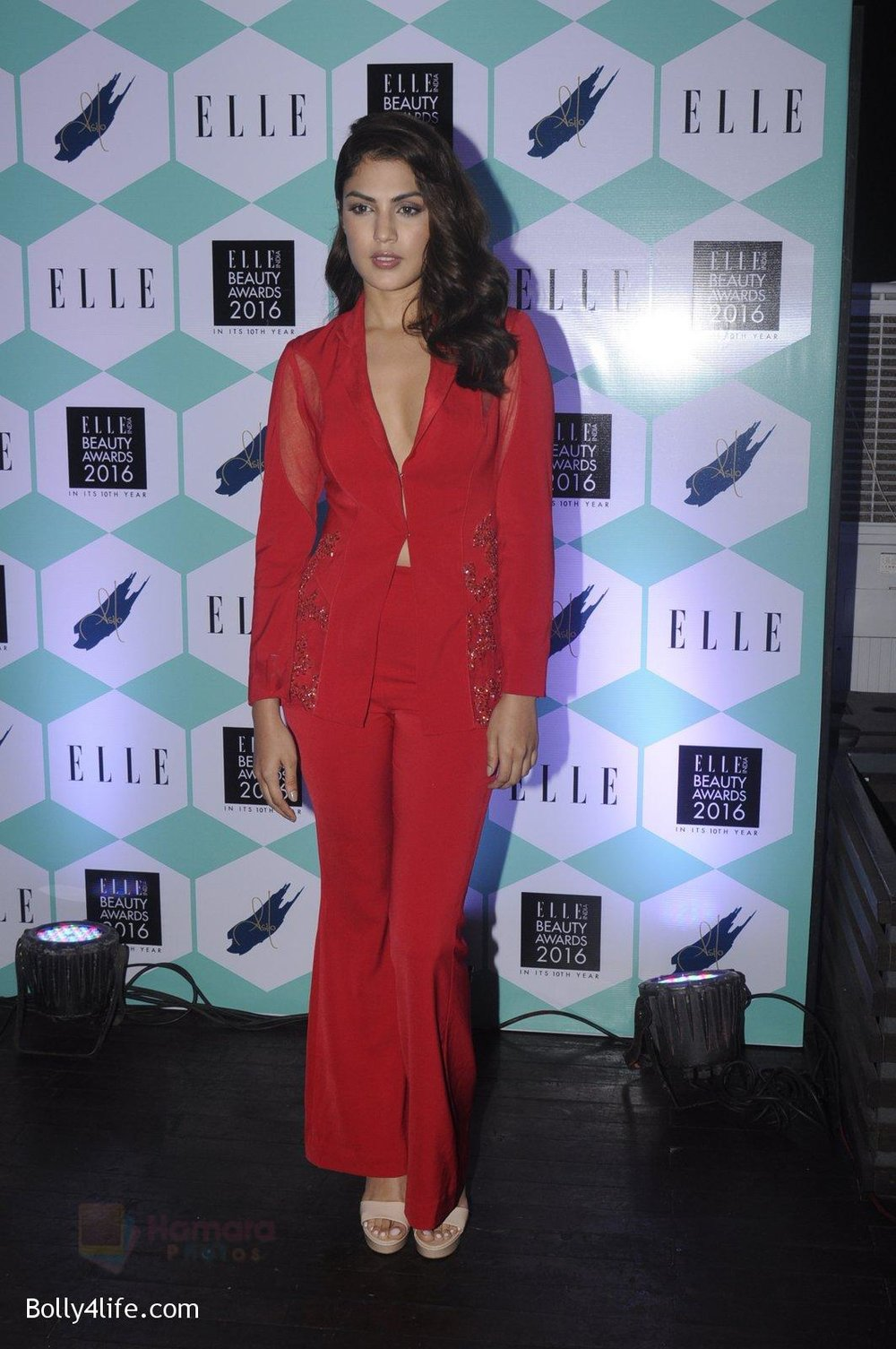 Rhea-Chakraborty-at-Elle-Beauty-Awards-on-5th-Oct-2016-46.jpg