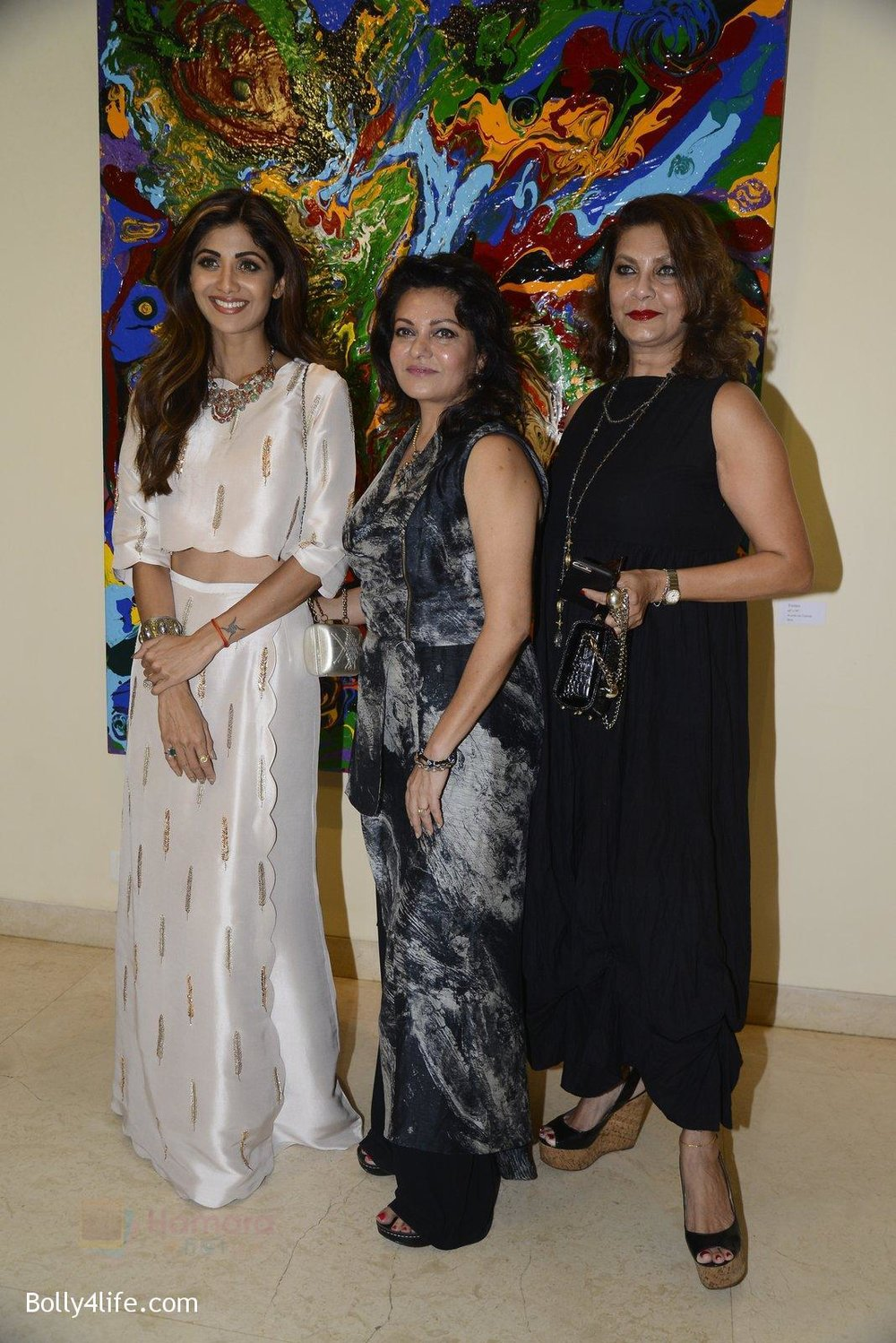 Shilpa-Shetty-at-Anu-Malhotra-art-exhibition-in-Mumbai-on-5th-Oct-2016-147.jpg