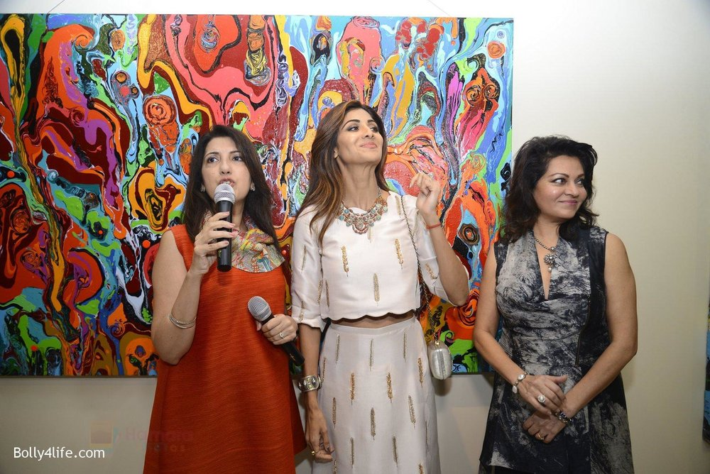 Shilpa-Shetty-at-Anu-Malhotra-art-exhibition-in-Mumbai-on-5th-Oct-2016-151.jpg