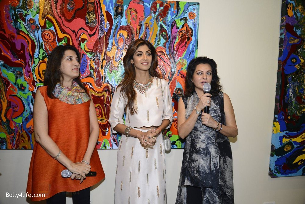 Shilpa-Shetty-at-Anu-Malhotra-art-exhibition-in-Mumbai-on-5th-Oct-2016-153.jpg