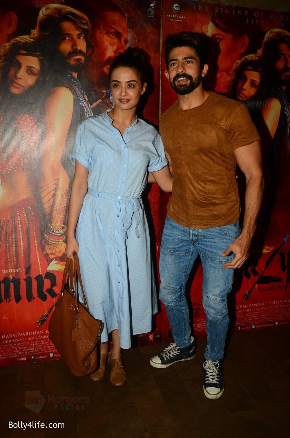 Surveen-Chawla-snapped-at-Mirzya-Screening-on-6th-Oct-2016-34.jpg