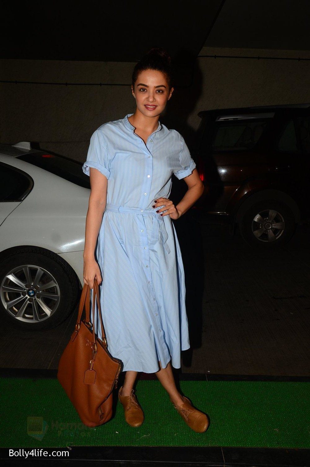 Surveen-Chawla-snapped-at-Mirzya-Screening-on-6th-Oct-2016-37.jpg