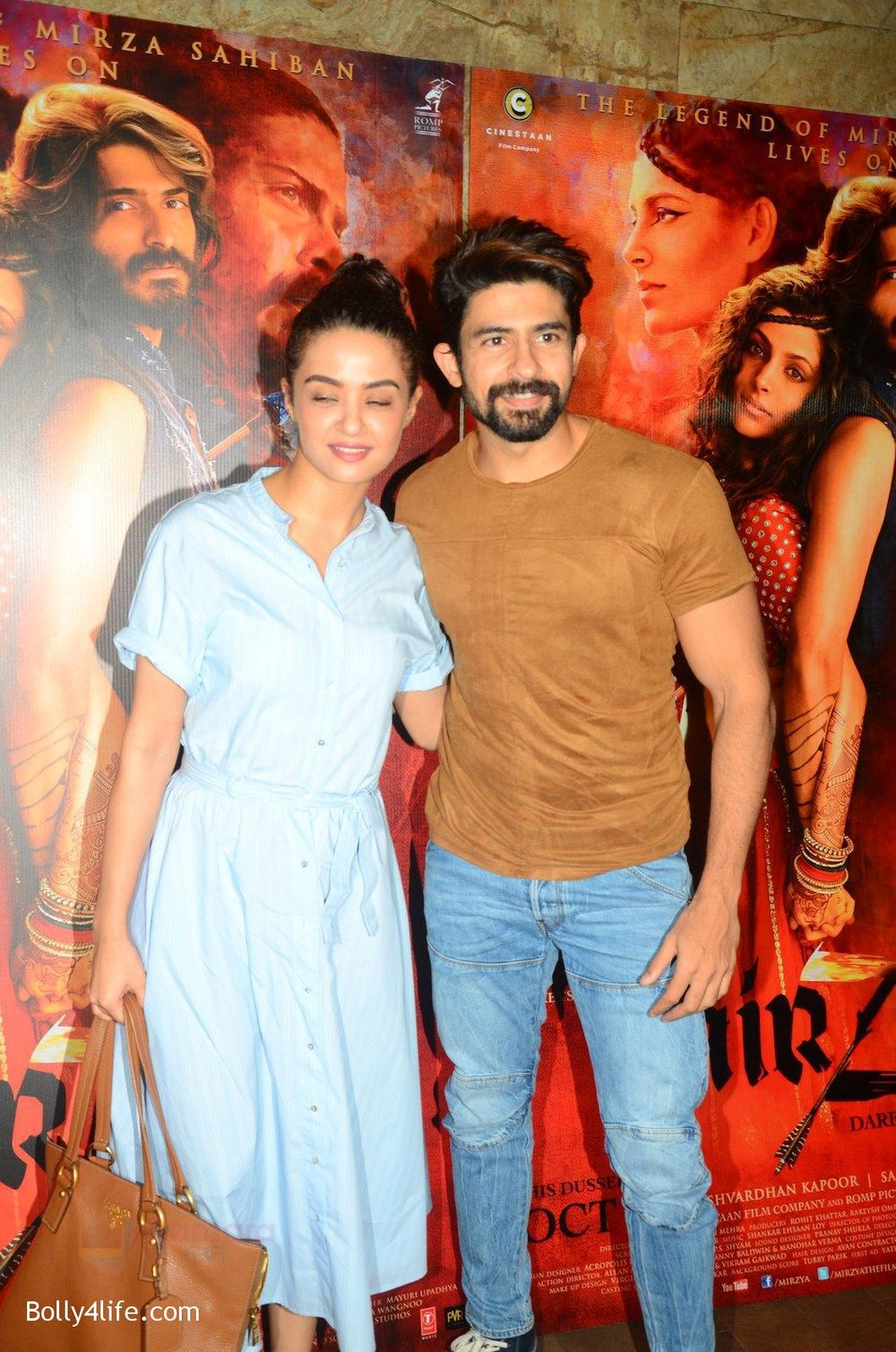 Surveen-Chawla-snapped-at-Mirzya-Screening-on-6th-Oct-2016-45.jpg