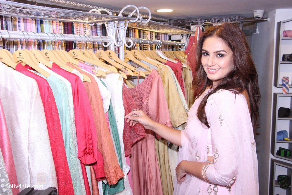 Huma-Qureshi-at-Tanzila-Antulay-store-preview-on-6th-Oct-2016-29.jpg