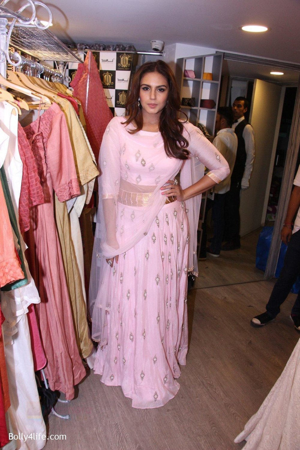 Huma-Qureshi-at-Tanzila-Antulay-store-preview-on-6th-Oct-2016-39.jpg