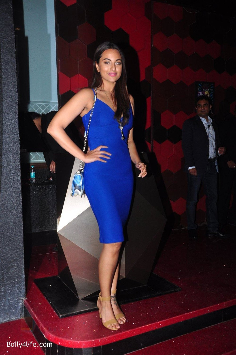 Sonakshi-Sinha-at-Trilogy-Bash-on-6th-Oct-2016-25.jpg