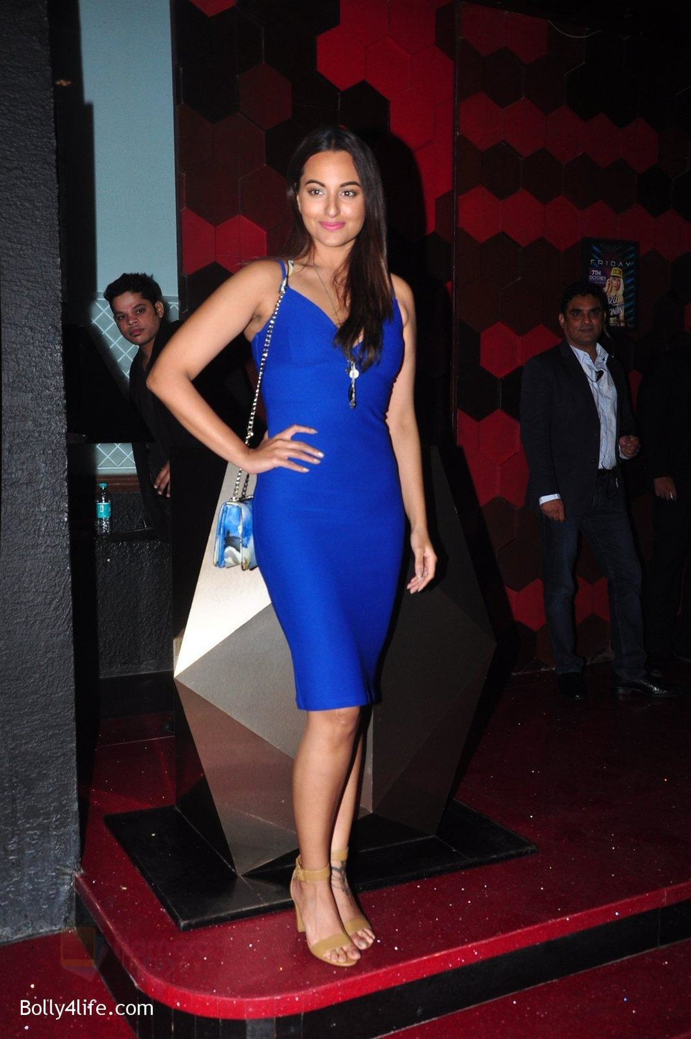 Sonakshi-Sinha-at-Trilogy-Bash-on-6th-Oct-2016-26.jpg