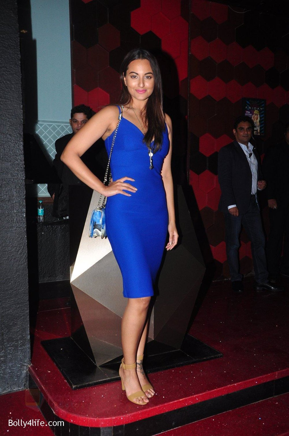 Sonakshi-Sinha-at-Trilogy-Bash-on-6th-Oct-2016-27.jpg