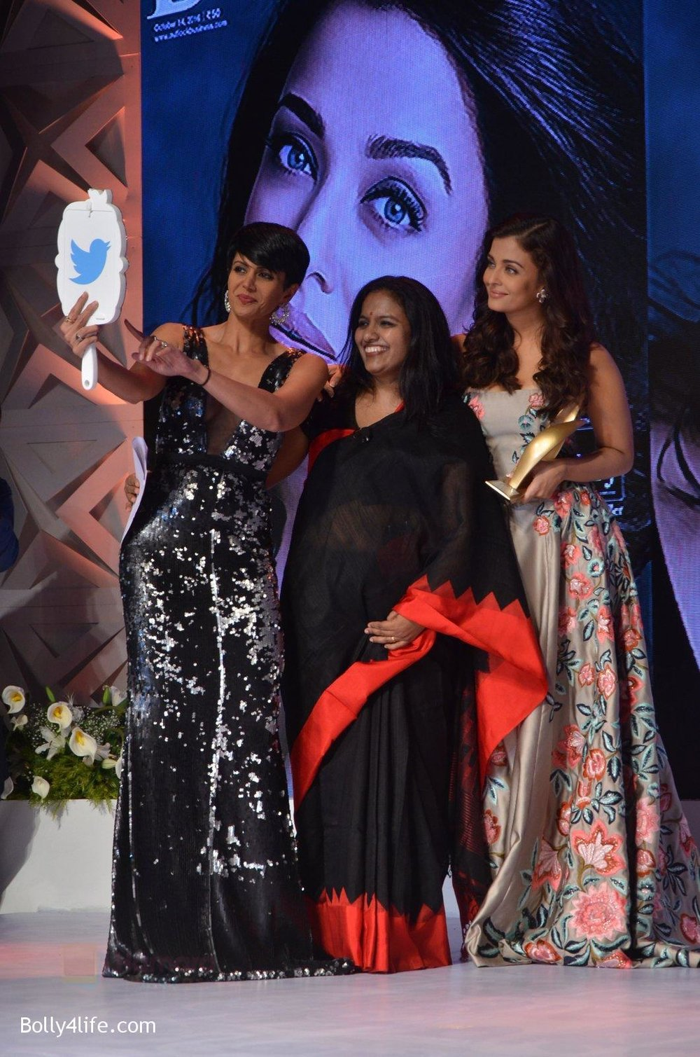 Aishwarya-Rai-Bachchan-at-Outlook-Business-Women-Awards-on-7th-Oct-2016-192.jpg