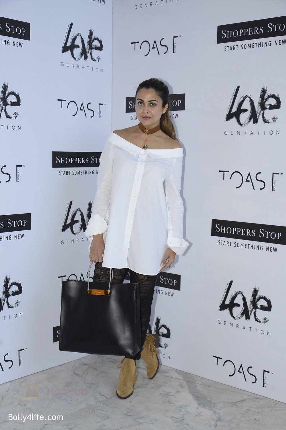 Amrita-Arora-at-Love-Generation-launch-at-Shoppers-Stop-on-7th-Oct-2016-40.jpg