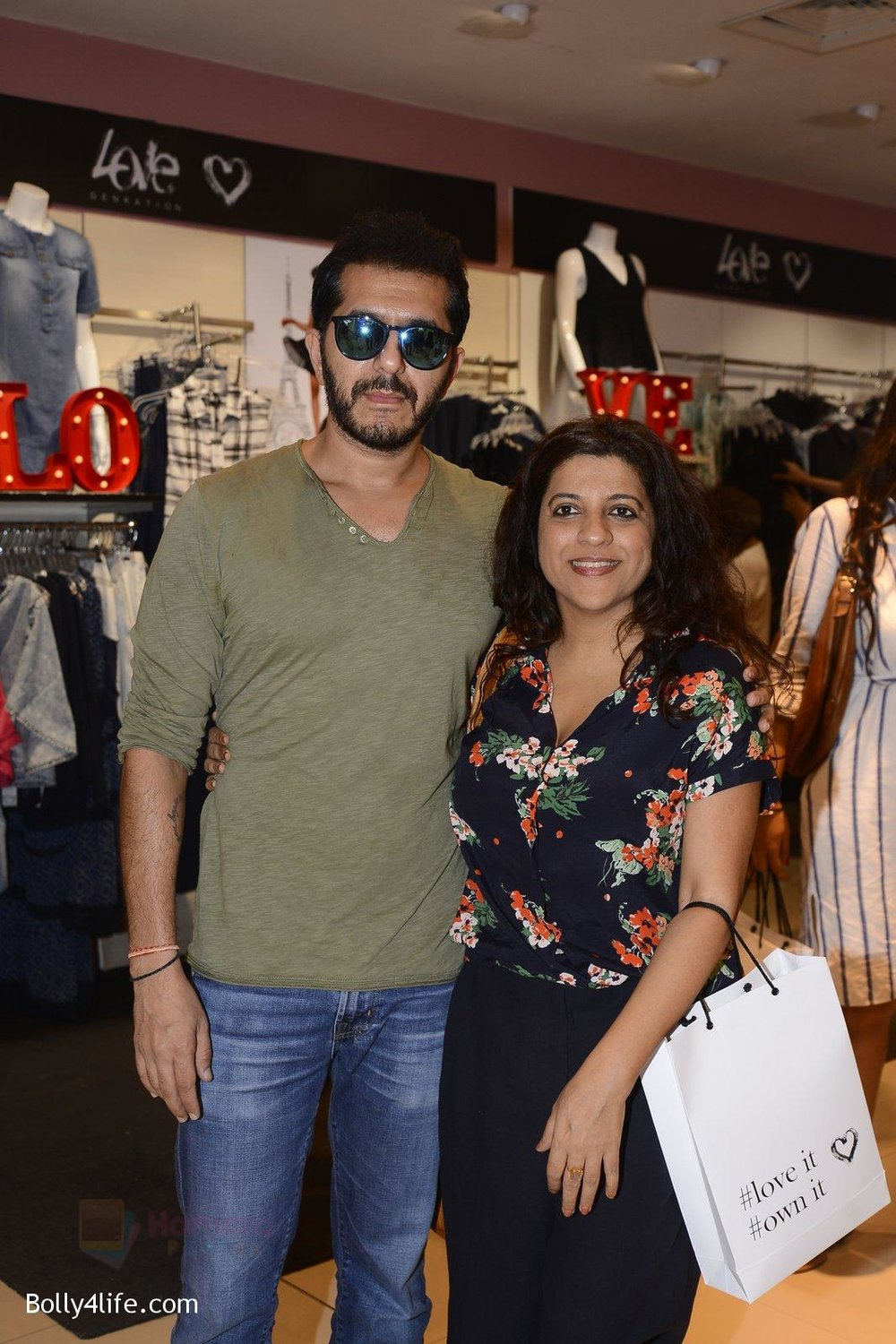 Zoya-Akhtar-at-Love-Generation-launch-at-Shoppers-Stop-on-7th-Oct-2016-199.jpg