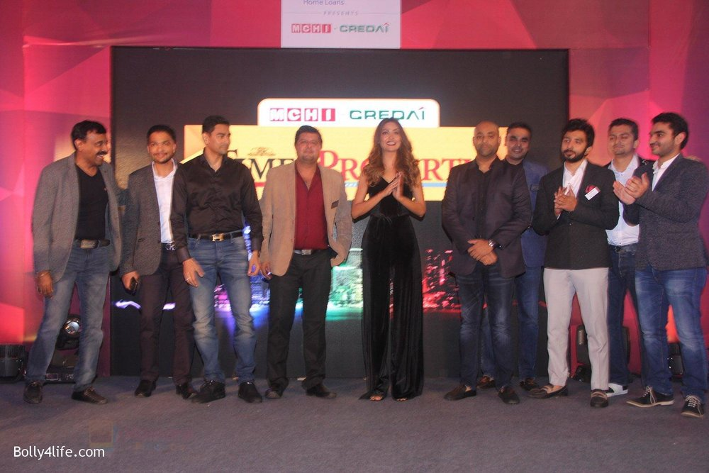Esha-Gupta-at-Times-Property-event-on-8th-Oct-2016-4.jpg