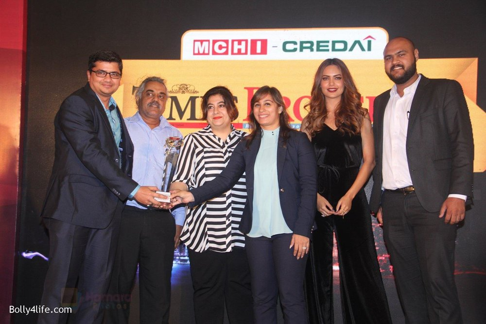Esha-Gupta-at-Times-Property-event-on-8th-Oct-2016-16.jpg