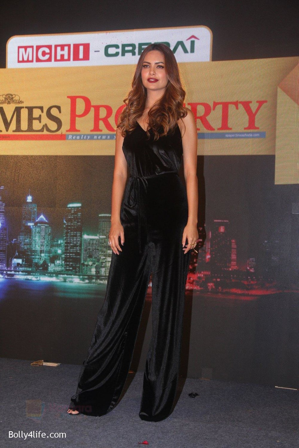 Esha-Gupta-at-Times-Property-event-on-8th-Oct-2016-18.jpg