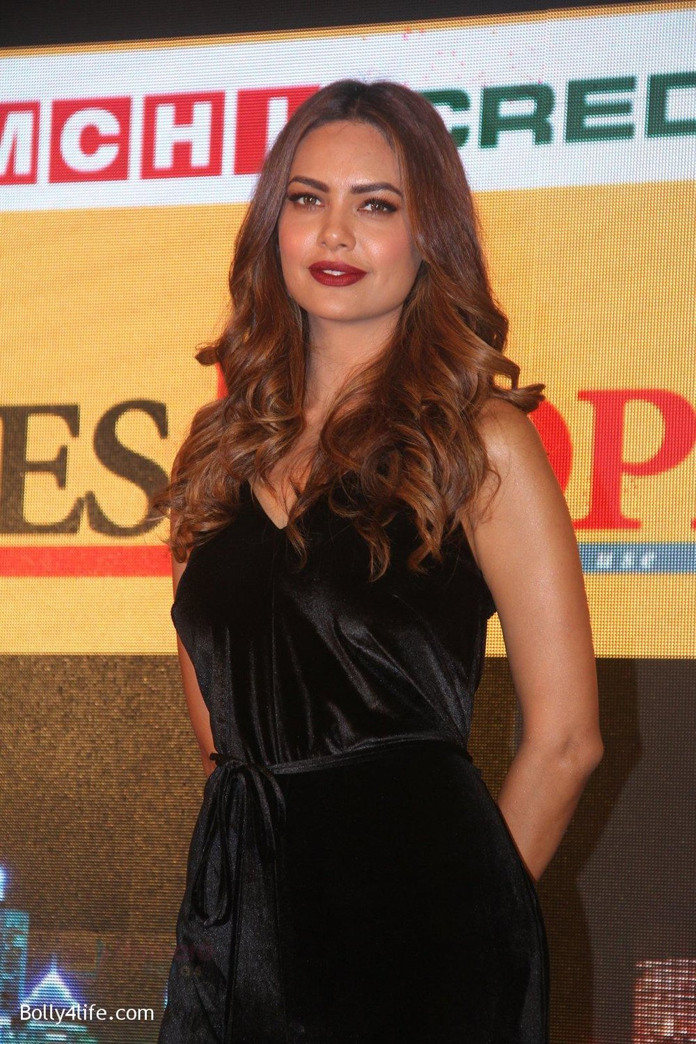 Esha-Gupta-at-Times-Property-event-on-8th-Oct-2016-30.jpg