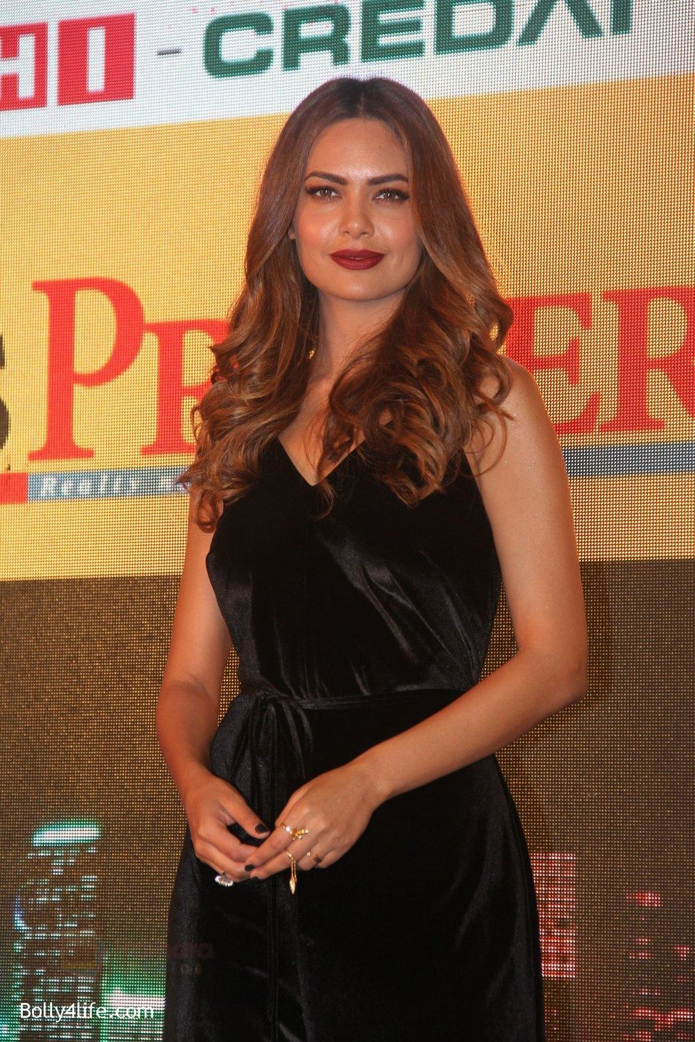 Esha-Gupta-at-Times-Property-event-on-8th-Oct-2016-32.jpg