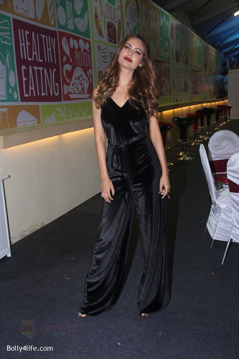 Esha-Gupta-at-Times-Property-event-on-8th-Oct-2016-37.jpg