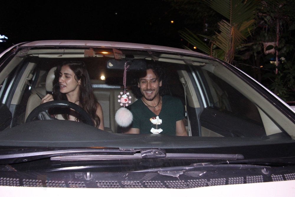 Disha-Patani-Tiger-Shroff-snapped-on-10th-Oct-2016-22.jpg