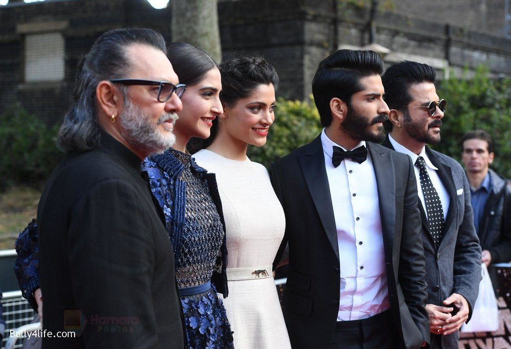 Harshvardhan-Kapoor-Saiyami-Kher-Sonam-Kapoor-Rakesh-Mehra-at-Mirzya-premiere-in-BFI-London-Film-festival-on-10th-Oct-2016-95.jpg