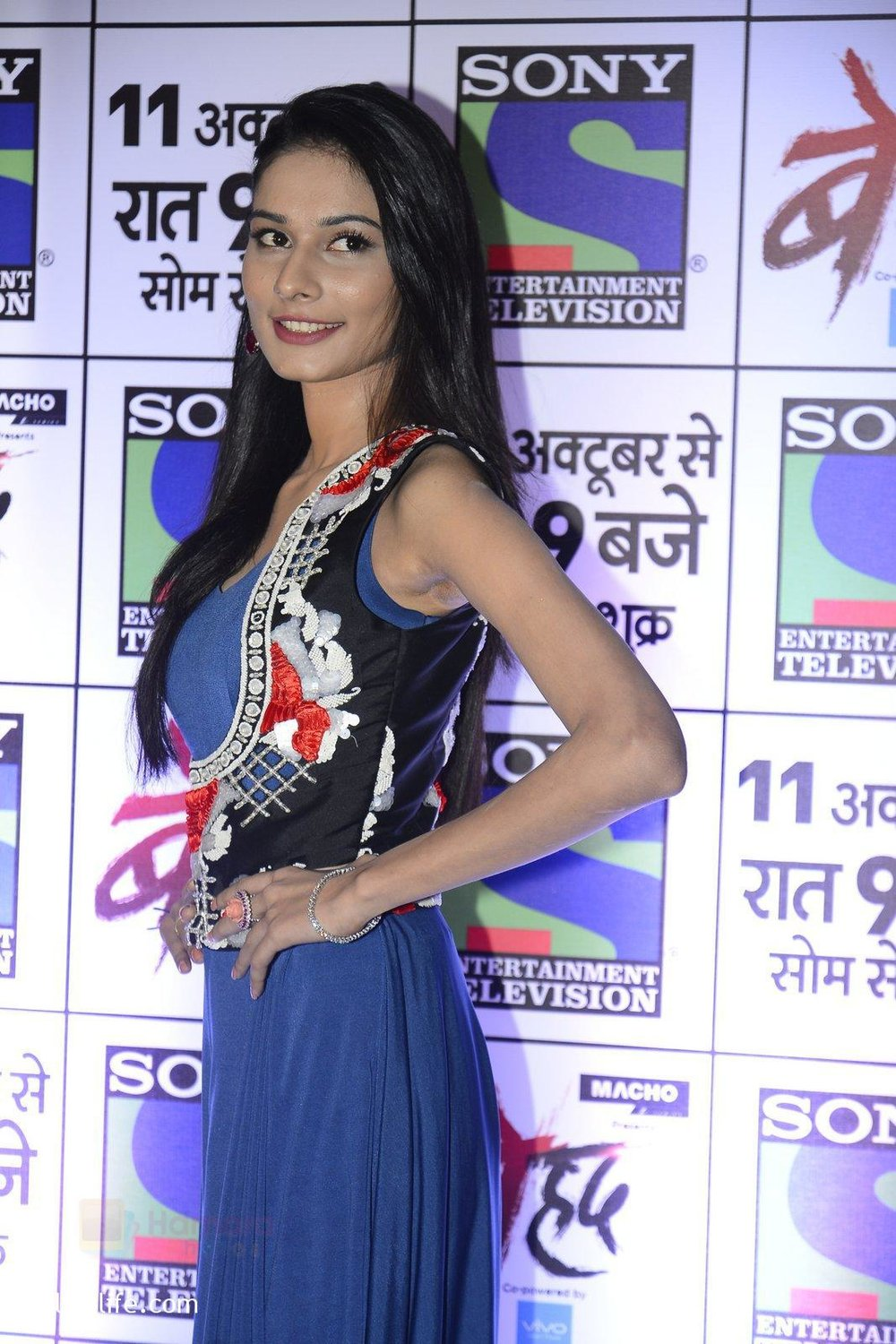 Aneri-Vajani-at-Sony_s-new-show-Behad-launch-on-10th-Oct-2016-117.jpg
