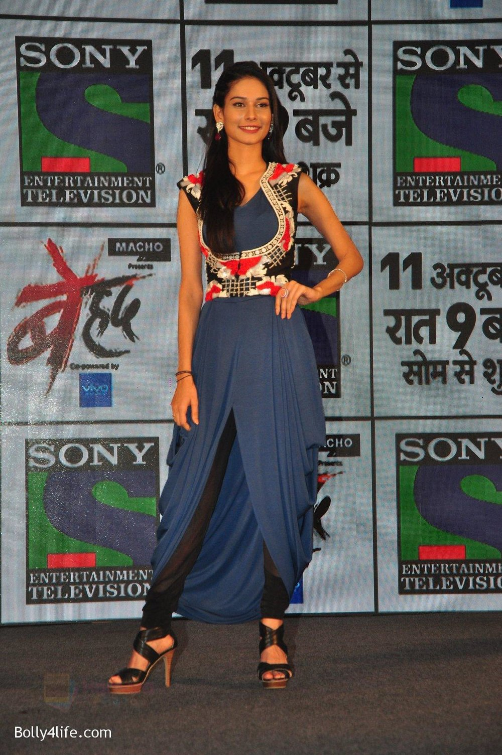 Aneri-Vajani-at-Sony_s-new-show-Behad-launch-on-10th-Oct-2016-124.jpg