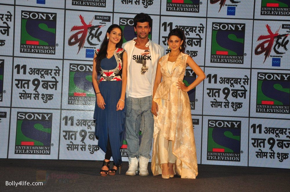 Jennifer-Winget-Kushal-Tandon-Aneri-Vajani-at-Sony_s-new-show-Behad-launch-on-10th-Oct-2016-105.jpg