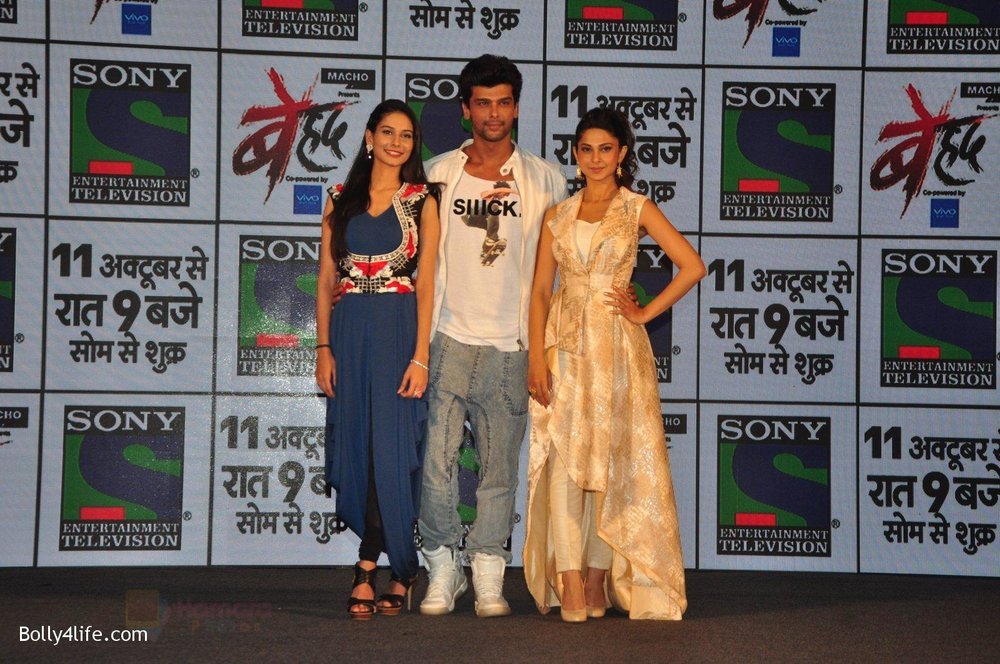 Jennifer-Winget-Kushal-Tandon-Aneri-Vajani-at-Sony_s-new-show-Behad-launch-on-10th-Oct-2016-108.jpg
