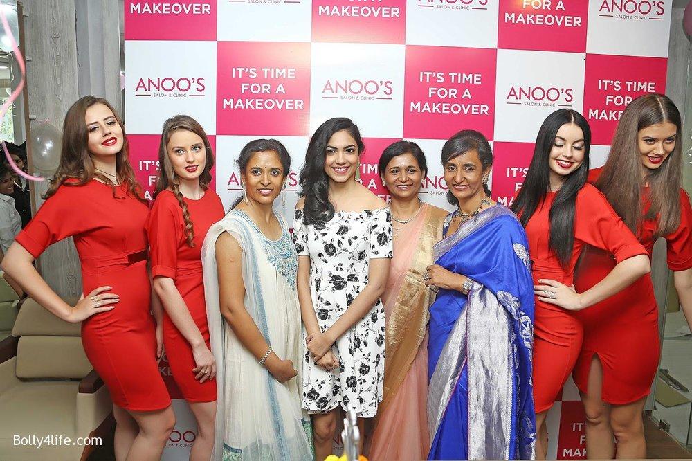 Actress-Ritu-Varma-Launch-Anoos-Salon-at-Vizag-3.jpg