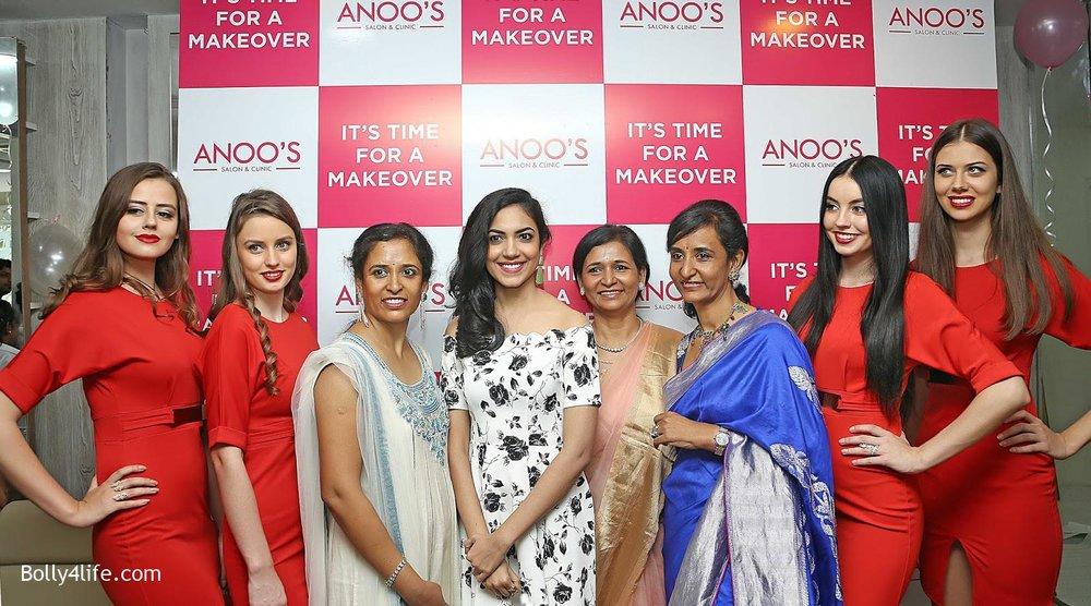Actress-Ritu-Varma-Launch-Anoos-Salon-at-Vizag-8.jpg
