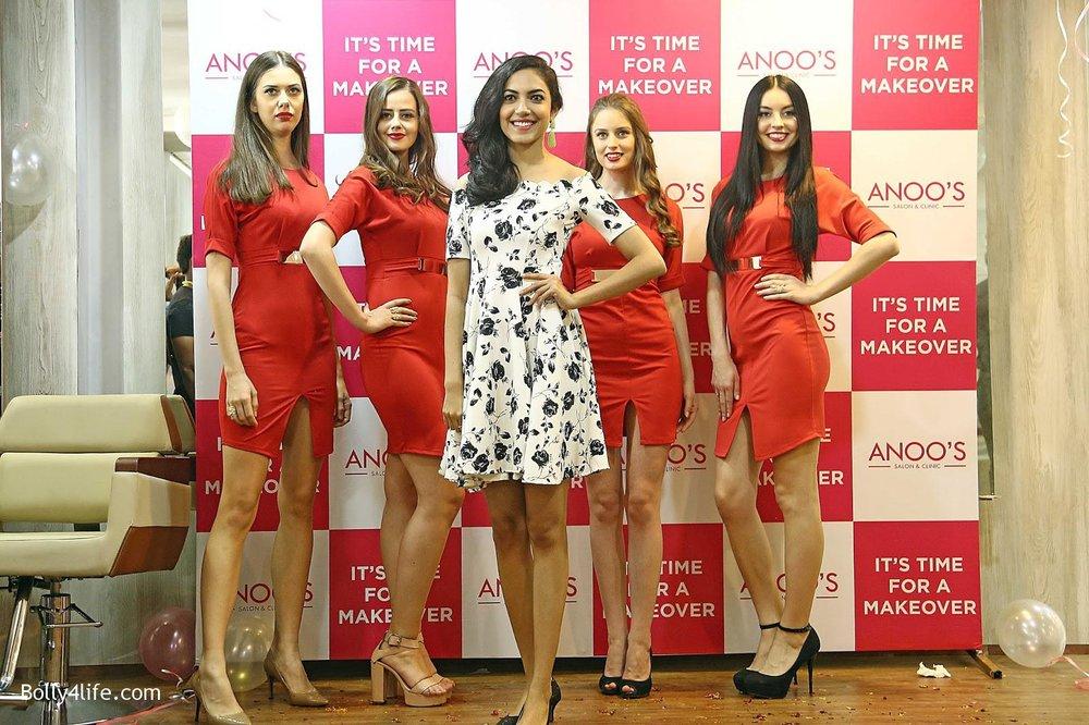 Actress-Ritu-Varma-Launch-Anoos-Salon-at-Vizag-9.jpg