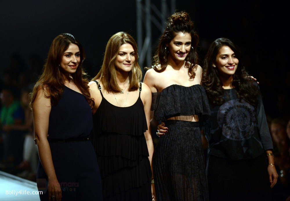 Disha-Patani-at-Love-Genration-show-on-12th-Oct-2016-28.jpg