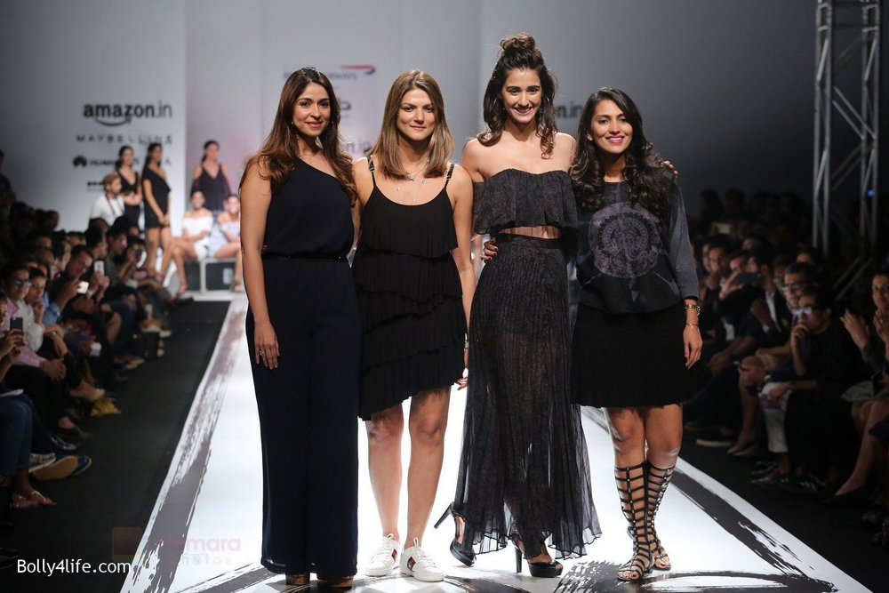 Disha-Patani-walks-the-ramp-for-the-first-time-for-Love-Genrations-debut-at-AFW_16-2.jpg