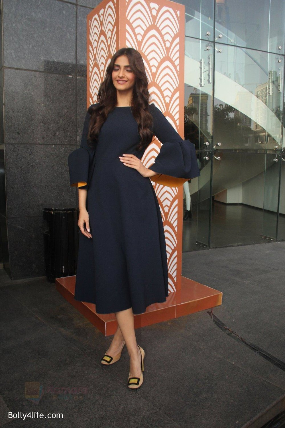 Sonam-Kapoor-at-plan-india-event-on-13th-Oct-2016-1.jpg