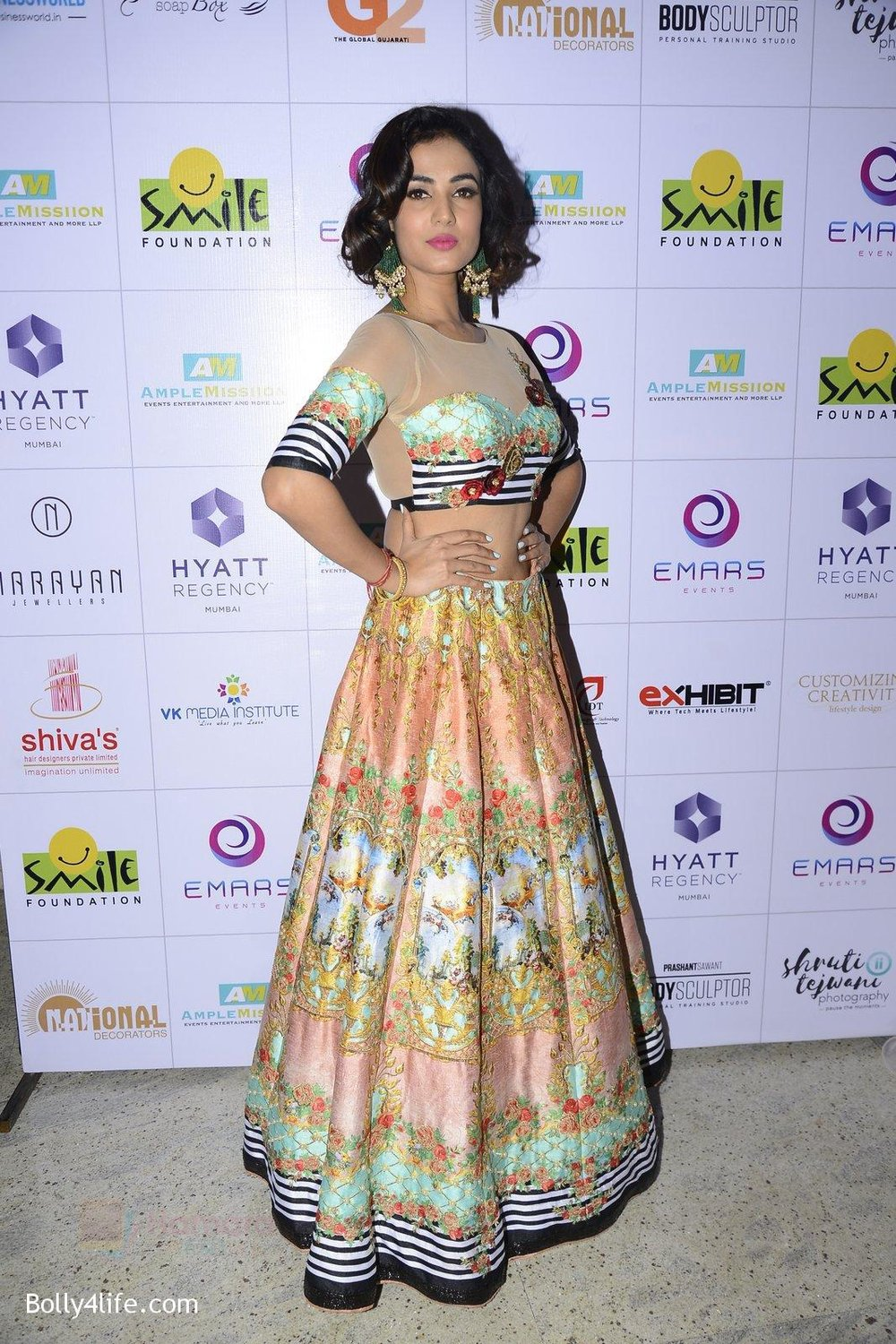 Sonal-Chauhan-at-Smile-Foundation-charity-fashion-show-on-13th-Oct-2016-257.jpg