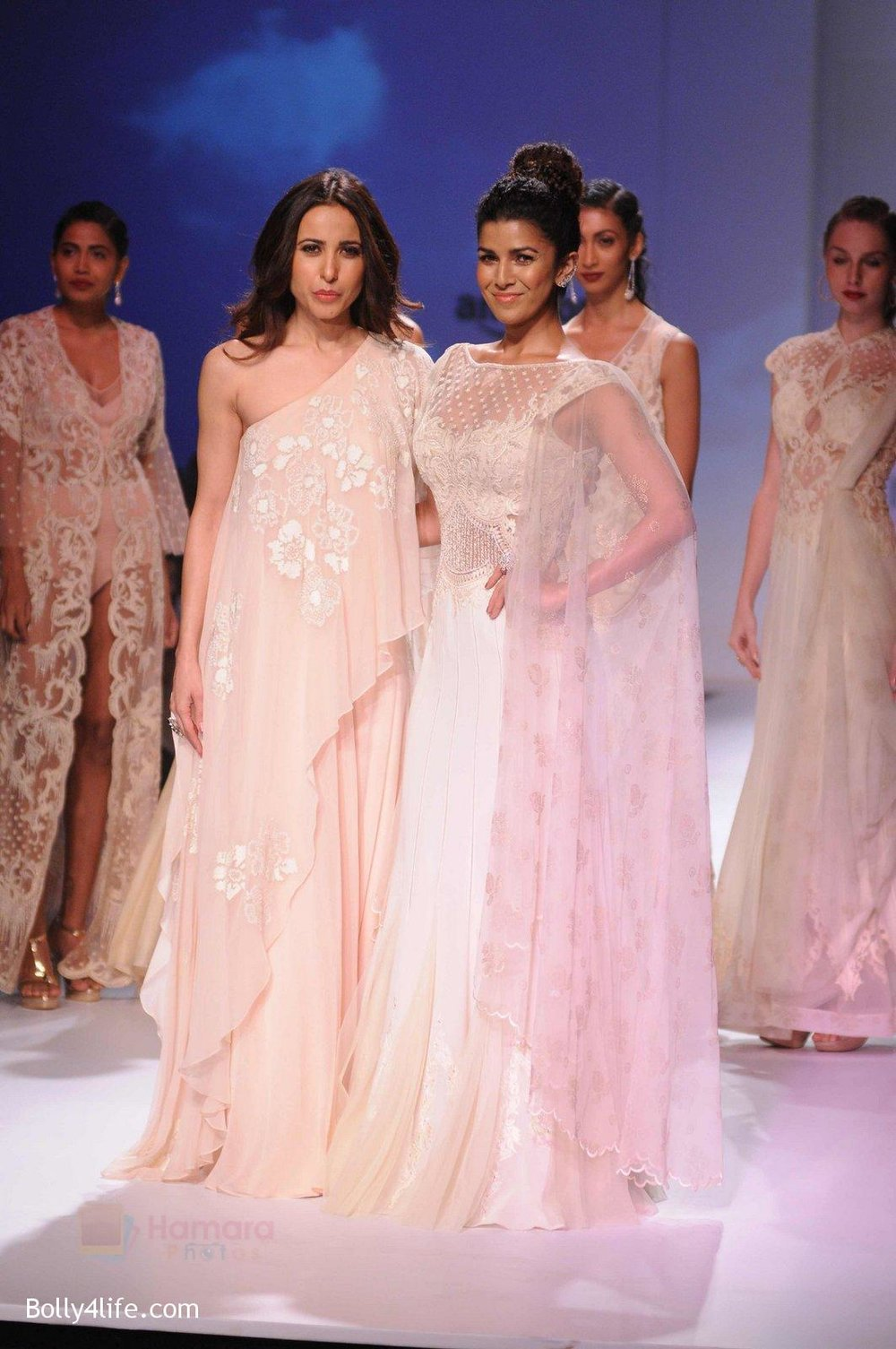 Nimrat-Kaur-walk-the-ramp-for-Mandira-Wrik_s-show-at-Amazon-India-Fashion-Week-on-15th-Oct-2016-5.jpg